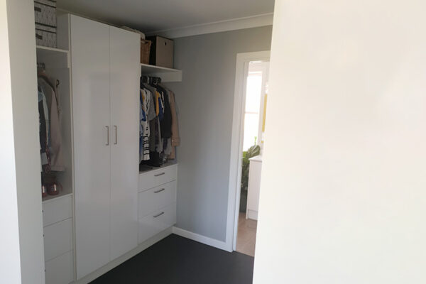 Walk in Robe extension South East Qld